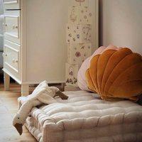 Witajcie w nowym tygodniu Kochani 💫  Nawet nie wiecie jak bardzo się cieszymy , że tak chętnie zamawiacie nasze małe pikowane materacyki 🕊  Są naturalne , kompaktowe i co najważniejsze bardzo wygodnie ✨  Kto już ma , łapka w górę 🤚  •   Welcome to the new week, beloved 💫   You don't even know how happy we are that you are so eager to buy our little quilted mattresses 🕊   #len #lino #lineninteriors #linematters #kidsroom #kidsspace   They are natural, compact and most importantly very comfortable ✨   Who already has, hand up 🤚  #len #lino #linenlove #linenmattress #kidsroom #kidsspace #kidsinteriors #pokojdziecka #pokojdziewczynki #pokojchlopca #homdecor #futon #kidsroomdecor #kidsroomdesign #homedesigns