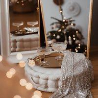 Kochani !  Dziś Sylwester , czas podsumowania ✨  Były wzloty i upadki , ale ogólnie dla naszej marki to był dobry rok 💫  Bez Was by się to nie udało , dziękujemy że jesteście 🕊  Bawcie się dobrze 🥂  •   Dear !  Today is New Year's Eve, it's time to sum up ✨   There were ups and downs, but overall it was a good year for our brand 💫   Without you, it would not be possible, thank you that you are here 🕊   Have fun 🥂  #nowyrok #sylwester #newyear #havefun