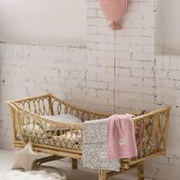 Delikatnie i dziewczęco 💫  Dobrej Nocy Kochani ✨  •   Delicate and girly 💫   Good Night Dear ✨  #kidsroom #kinderzimmer #pokojdziecka #pokojdziewczynki #kodsroomdecor #kidsroomdesign #kidsroomdecoration #homedecor #babyroom #babyboomer #pillow #balloons #puf #pouf #len #lino